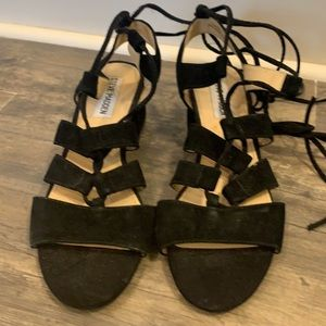 Steve Madden Kittyy lace up suede sandals